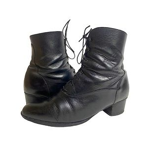 Vintage 90s Granny Boots Black Leather Lace Up 9.5